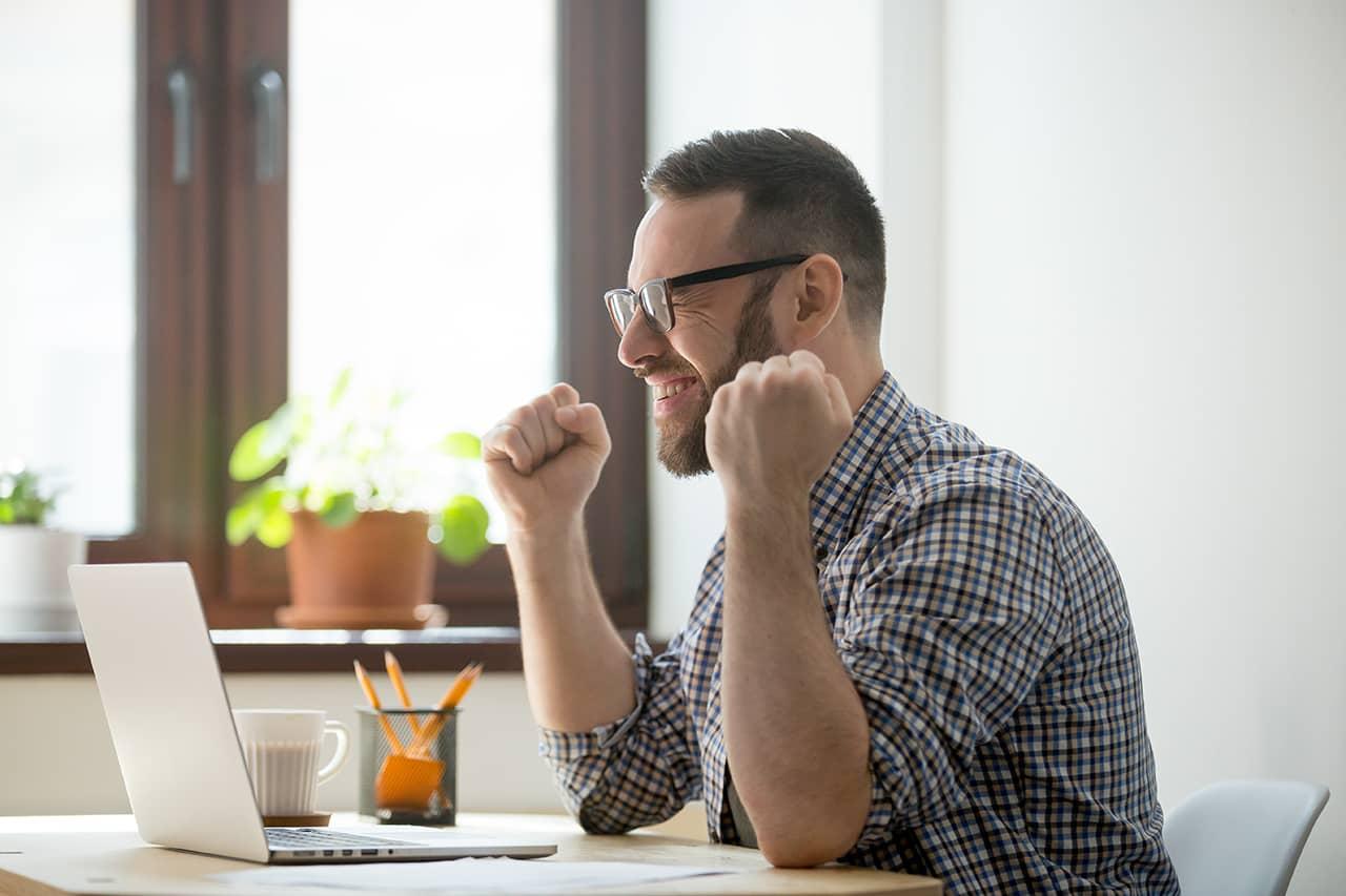 ¿Por qué debemos enviar mensajes positivos a los empleados? | Happÿdonia