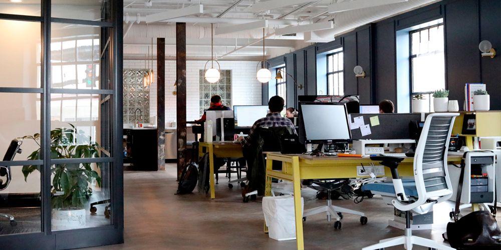 Cómo superar el síndrome de la soledad laboral en nuestros trabajos